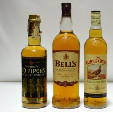 020203 Bell's 8, 100 Pipers & Famous Grouse